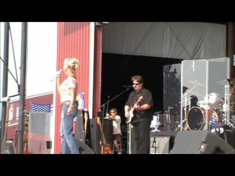 "Lorrie Morgan ""Watch Me"" at Jamboree In The Hills"