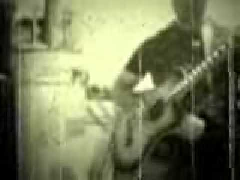 garage crap bass guitar re-load 2011