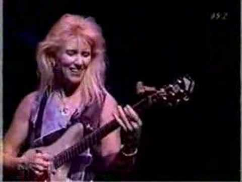 Jeff Beck & Jennifer Batten - Blue Wind