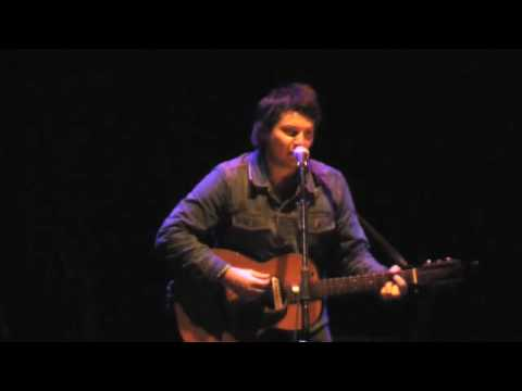 Jeff Tweedy - Gun (Live at the Vic)