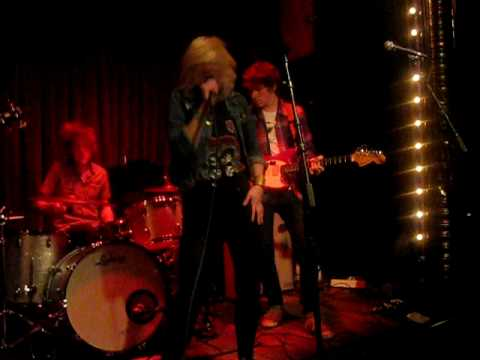 "Jemina Pearl ""I Hate People"" Live"
