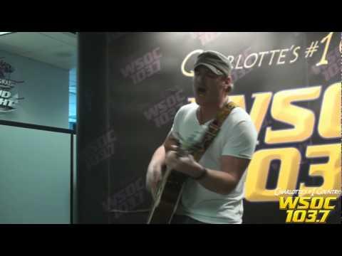 """103.7 WSOC: Jerrod Niemann performs """"Lover Lover"""""""