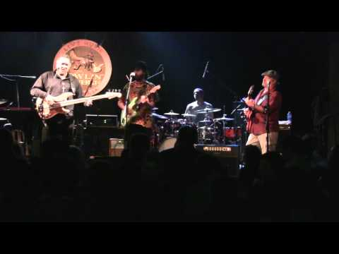 George Porter Jr, Billy Iuso, CR Gruver - Eyes of the World (Grateful Dead cover) 12/26/10 (HD)