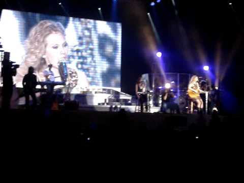 Taylor Swift Covers Jesse McCartney - Leavin` 3/1/09