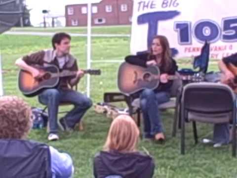 "Jessica Harp performs ""Boy Like Me"""