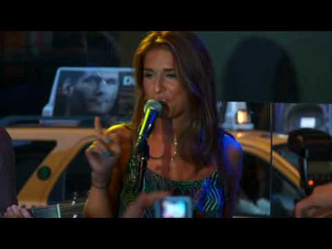 "Jessie James - ""Blue Jeans"" Live at Steve Madden"