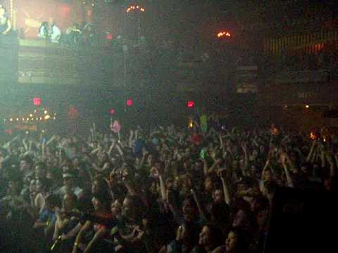 DANCE (REMIX) (LIVE) - MSTRKRFT at Webster Hall (Girls And Boys)