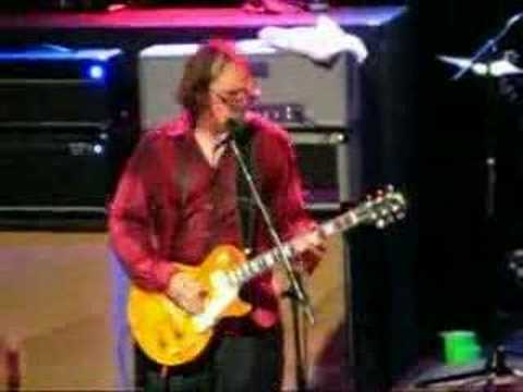 Bonamassa does ZZ Top.wmv