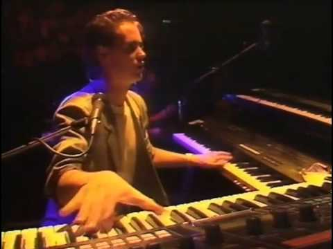 Dire Straits - Walk of Life (Wembley Arena, London, UK, 1985)