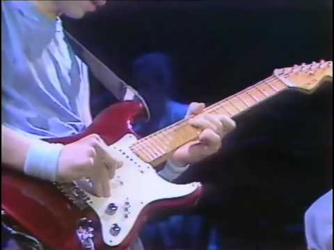 Dire Straits - So Far Away (Wembley Arena, London, UK, 1985)