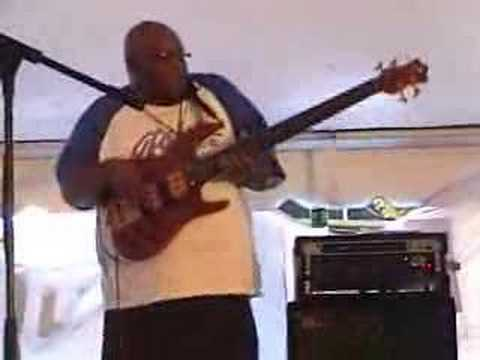 James Ross @ John King (Freestyle Bass Solo) 5 String Ken Smith Bass