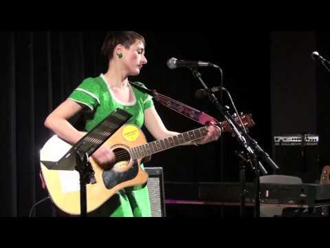 Valby Kulturhus: Lennon - en hyldest til rockpoesien (lang version)