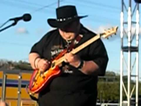 2009 Dallas Guitar festival closing number - Johnny Hiland - Call Me the Breeze