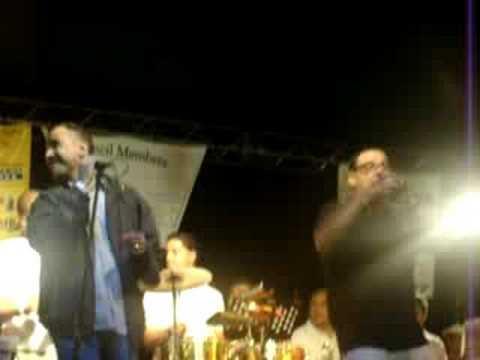 JOHNNY RIVERA - NO VALE LA PENA (LIVE IN ELGIN,IL PR FEST)