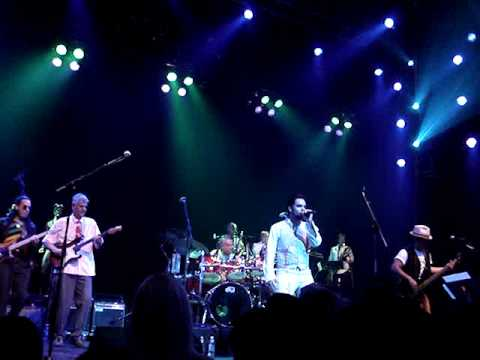 KROQ Johnny Vatos tribute to Oingo Boingo Grove of Anaheim 2009 Halloween WATER
