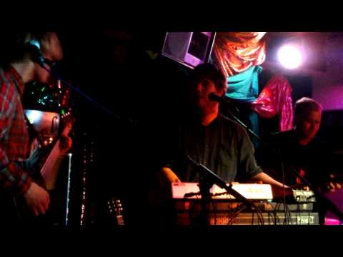 Jonquil - It Never Rains (live at the Cardiff Arts Institute)