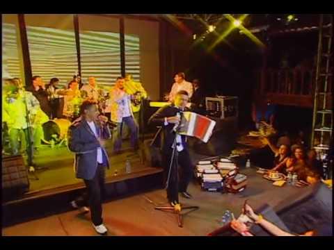 21. Jorge Celedon - Me dej� solito (En Vivo)