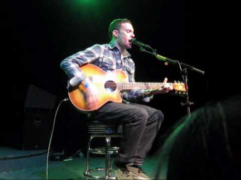 Vinnie Caruana - Walking On Glass (LIVE HQ)