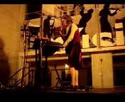 Juana Molina - ¿Quién? (Live) - Porto Alegre