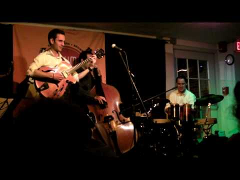 "Julian Lage Group - ""Lil` Darlin"" Feat. Jorge Roeder, Tupac Mantilla"