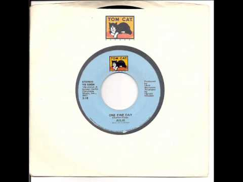 "Julie ""One Fine Day` 1975 Original 45rpm Version"