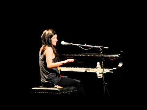 Pretend (Reprise) Live w/ Intro - Juno Songwriters` Circle 2010 - LIGHTS