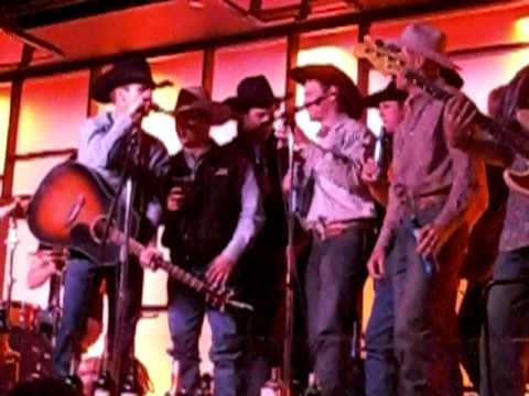Justin McBride Kick`n off the 2009 PBR WORLD FINALS in Freemont Distict w/ some Beer Drinking Songs