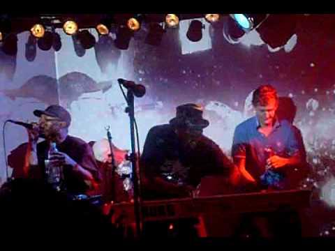 Marc Mac set + Kaidi Tatham 3 PARIS@le batofar hors les murs November 2008
