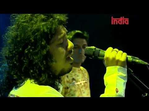 Naina Laagey - Karsh Kale & Midival Punditz (Live at Paleo Fest 09)