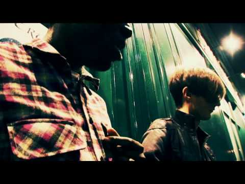 "Bloc Party- ""This Modern Love"" (acoustic on sidewalk)"