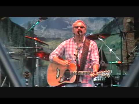 Kevin Costner- Modern West -Backyard Song - Concert Bass Pro