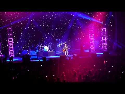 James Blunt-You`re Beautiful- Live-Key 103 Jingle Ball 2010-HD