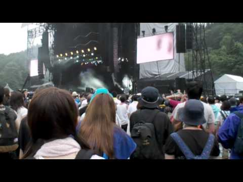 BOOM BOOM SATELLITES - KICK IT OUT(LIVE)@FUJI ROCK FESTIVAL `10
