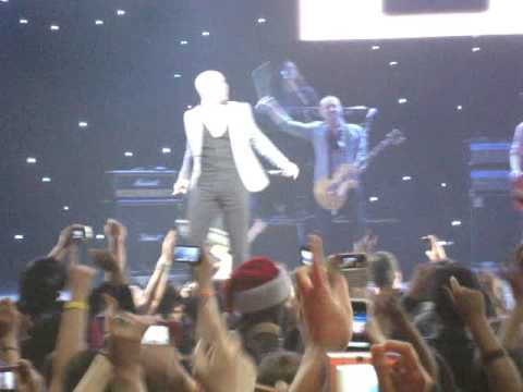 Enrique Inglesias - I Like It - KIIS FM Jingle Ball 2010 - Nokia Theater, LA