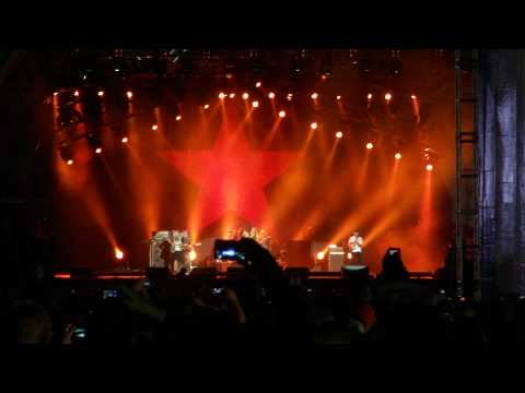 Rage Against The Machine - Killing In The Name Of (Live @ Finsbury Park 6th Jun 2010) HD - Full