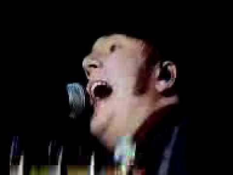 Fall Out Boy : Mr. Brightside