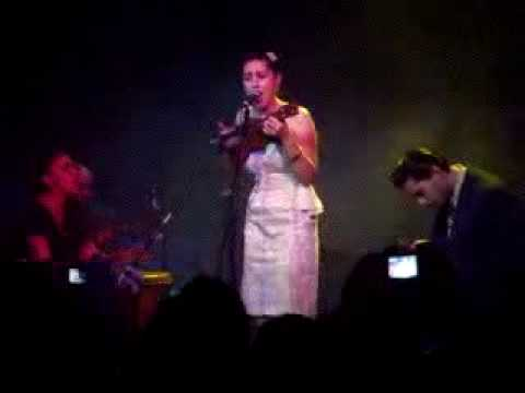 Kitty , Daisy & Lewis - Honolulu Rock And Roll ( Madrid 26-Nov-2009 )