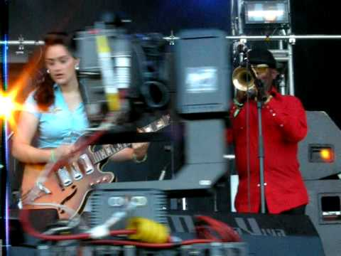 20090530 - Primavera Sound 2009 - Kitty, Daisy & Lewis (5/6)