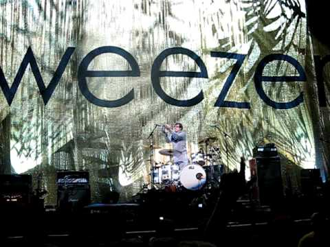 Weezer - Island in the Sun live at Endfest 18