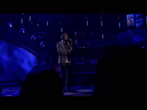 Kris Allen American Idol Sings Falling Slowly 1