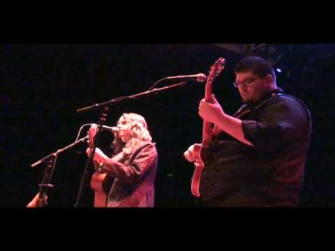 Kristine Jackson sings Mean Ol` Hound at HOB Live! 12-31.09