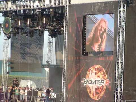Kroq Epicenter 09-Alice in chains-Man In The Box Live 8-22-09