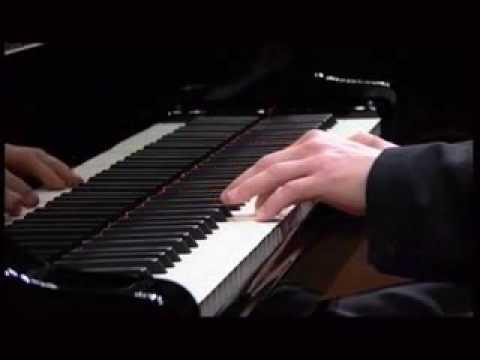 Krystian Zimerman plays Mozart Piano Sonata in C Major K 330 2nd Mov
