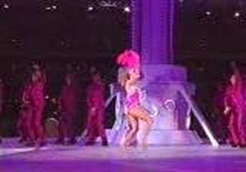 Kylie Minogue - Dancing Queen (Sydney Olympics)