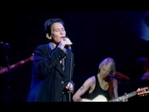 KD Lang - Crying
