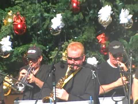 Susan Kay Wyatt and The Late Nite Big Band gives you a taste of Xmas