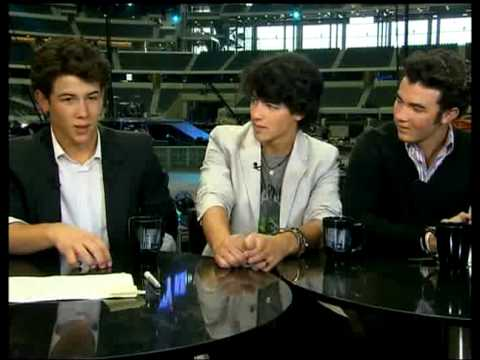 JONAS BROTHERS - LARRY KING LIVE - WORLD TOUR EXCLUSIVE