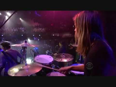 (HQ) Jonas Brothers - Paranoid (Live on Letterman) 2009.06.11