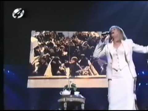 Barbra Streisand - live - Yentl Medley. (A Piece of Sky)