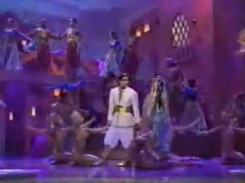 Lea Salonga & Brad Kane Sing On Stage Whole New World From Aladdin